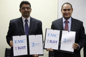 From Left - Krishna Kant, Head, EMC Academic Alliance, South Asia & Russia, EMC and Professor Lalith Gamage, Managing Director / Chief Executive Officer, Sri Lanka Institute of Information Technology (SLIIT) with the agreement that was signed between the two organizations at the SLIIT Metro Campus, Colombo.