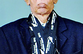 Veteran paddler Dr. Lucas has golds galore in Kiwiland