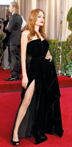 Angelina Jolie's Oscars leg pose while on the red carpet has turned into an Internet sensation (Reuters)
