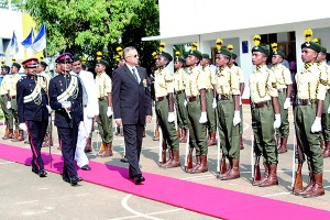 Guard of Honour was accorded to Major General H.K.P.Hendawitharana VSV USP (Rtd )
