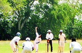 Jaffna College survive fierce onslaught in Battle of the Golds