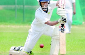 Madawa double ton lifts Bloomfield