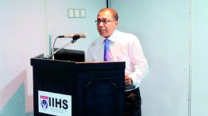 Dr. Kithsiri�Edirisinghe - Deputy Chairman-IIHS addressing the gathering