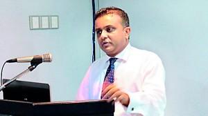 Dr. Sajeeva Narangoda-Director / General Manager Browns Healthcare (Pvt) Ltd addressing the gathering