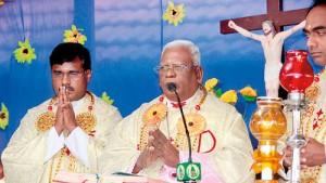 Jaffna's Bishop Thomas Saundranayagam celebrates Mass