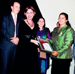 Australian Alumni Excellence Award 2013   The Sundaytimes