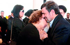 Ahmadinejad under attack for 'sinful' hug