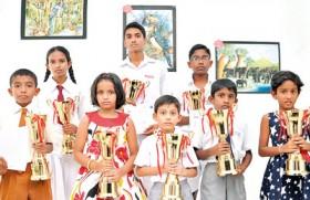 Union Bank awards Piyawara art competition winners