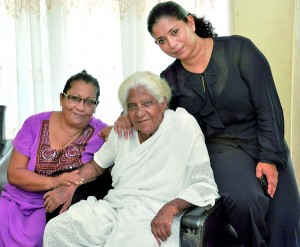 Pic by Susantha Liyanawatte shows Dharma Canagasabai (centre) with her daughter Praba Doolwela (left) and granddaughter Anjana Ramachandran.