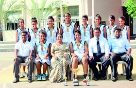 Gateway girls take U19 'B' division cager honours