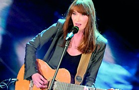 Hollande is 'The Penguin' in Carla Bruni song