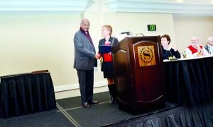 Prof. Seneviratne receiving the award