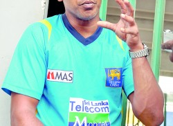 Vaas' vision to make Lankan bowlers shine again