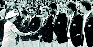 Cricketing royalty: The Queengreets the 1989 Australian team. Photo: AP