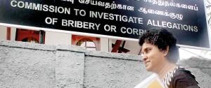 Dr. Bandaranayake arriving at the Bribery Commission