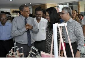 Chief Guests at the occasion, Hemaka Amarasuriya and actress Dilhani Ekanayake in conversation with the Managing Director Bata Shoe Company Sri Lanka Vikas Anand at the refurbished Bata Showroom at Majestic City. (Pic by Susantha Liyanawatte)