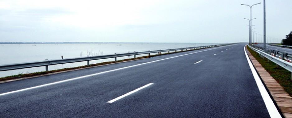 Sri Lanka's newest beauty: E03-the Katunayake expressway