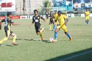 Matara City (in black) beat Super Sun (in yellow) in the first week of the second round of DCL.