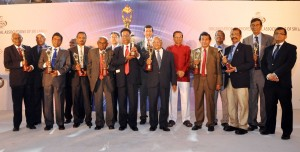 Picture by Indika Handuwala shows the award winners with the chief guest Health Minister Maithripala Sirisena.
