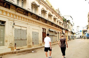 On foot: Back to the past in Fort and Pettah
