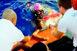 Divers hope to resume search in migrant boat tragedy