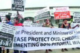 Puff by puff, towards a heming-heming policy on tobacco