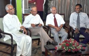 Speakers – Eran Wickramaratne, H.M.G.S.Palihakkara and Tissa Jayaweera share a joke with STBC  President Chaturanga  Perera. Pic by Ranjith Perera