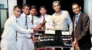 Mahinda College Galle team receiving their award