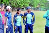 Lankan lasses on cricket safari