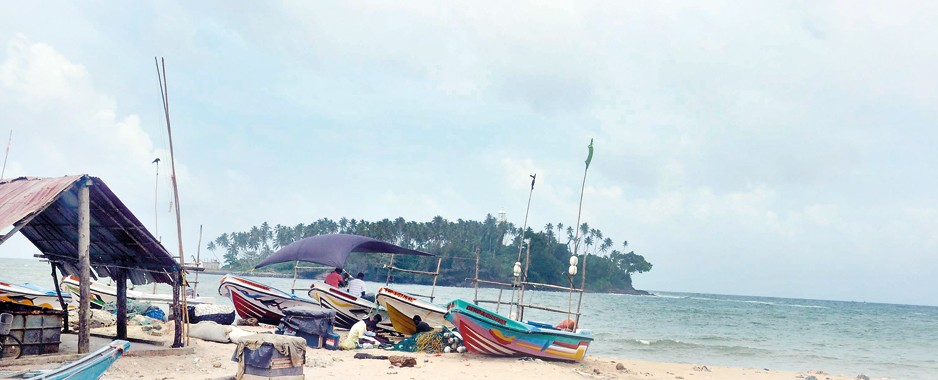 Botched voyage from Beruwala:  Boat people caught in racketeers' net
