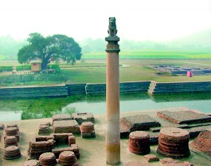 Ashokan pillar at Vaishali, 3rd century BCE. Pic courtesy Wikipedia