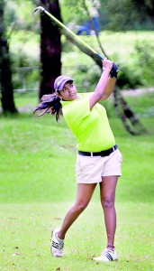 Dhanishi Senadhira overcame a close battle against Jane Hong to snatch the Women's championship