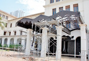 Spruced up: The Galle Face Hotel and Taj Samudra get a facelift. Pix by Indika Handuwala