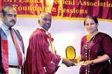 Lankadeepa journalist wins award
