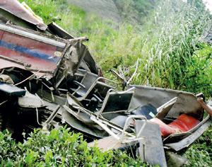 Banadarwela accident that claimed 10 lives instantly Pic by Palitha Ariyawansa