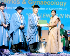 """The University of Colombo receives the Prestigious """"Yuji Murata Endowment Award - 2013"""" from the  Asia and Oceania Federation of Obstetrics and Gynaecology (AOFOG)."""