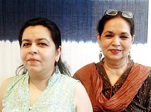 Bringing Indigo to Colombo: Noorjehan and daughter Sarah.  Pix by Nilan Maligaspe