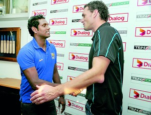 Angelo Mathews and Kyle Mills at the launch of the Limited Overs Series at SLC - Pic by Amila Gamage