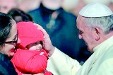 Pope sends out 2,000 Christmas packages