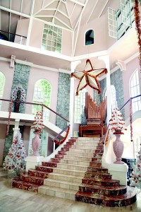 Impressive setting: Some of the Christmas  decor at Hunter's End. Pix by M.A. Pushpa Kumara