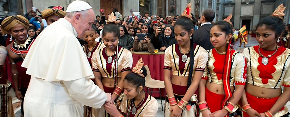 Pope's date with Lankans