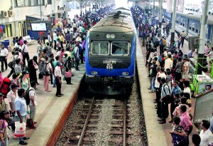 Scenes at the Fort station yesterday. Pix by Indika Handuwala