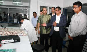 Picture shows Manish Kumar - Country Head Intertek explaining the workings of the lab to Faiszer Mustapha - Deputy Minister for Investment Promotion. Also seen are Lloyd Pitchford - Group CFO and COO South Asia - Intertek, Milinda Moragoda among others.