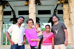 They made it possible: Samanthie, son Mateus and Poojani with Shiraz (left)  and Rukshan (right) from Iamsrilanka.