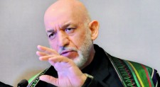 Karzai seeks peace with Taliban, but  he is no Chavez
