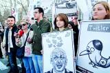 Twittersphere rallies to help Turks by-pass block
