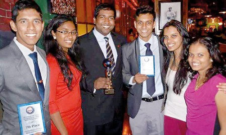 Lankan team does  country proud at int'l mediation tournament