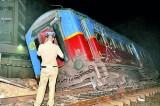 7 Injured as train derails near Bambalapitiya station