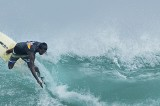 Southern surfers  strike back to keep their hopes alive