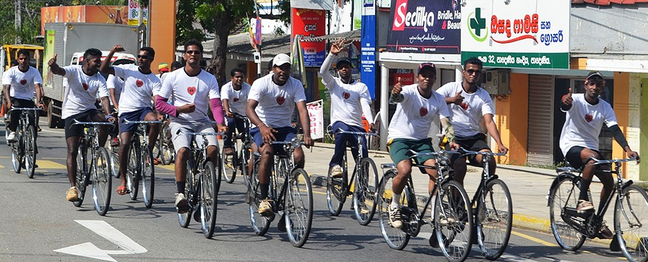 50 northern undergrads' Jaffna-Colombo 'cyclathon' raises funds for heart surgery